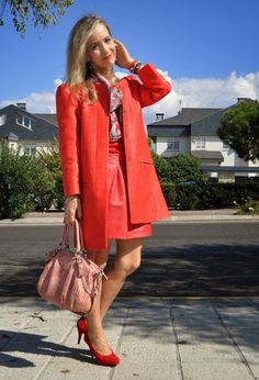 Red on Red. Zara coat, Mango skirt, scarve Dior, Madison Limited Edition Coach bag. Gloria Oritiz pumps. www.ladytrends.com