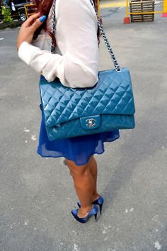 words cannot express how much i <3 this bag....but, alas, i dream on...