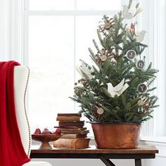 Beautiful_-Tabletop_-Christmas-_Trees_-Decorating_-Ideas-designs__102.jpg 570×570 pixels