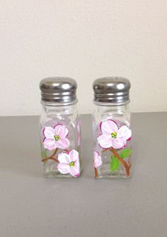Palm Salt And Pepper Shakers Handpainted Art On Gl Painted Gles Wine Bottle Fun Pinterest Hand
