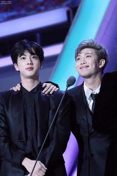 Rap Monster et Jin