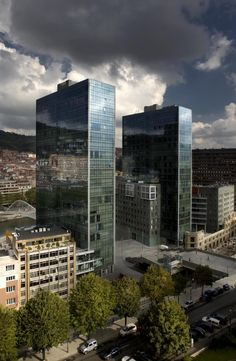 Isozaki Atea by Arata Isozaki & Associates + IA+B Arkitektura Interesting Buildings, Beautiful Buildings, Beautiful Places, Arata Isozaki, Basque Country, Architecture Portfolio, Best Cities, Nice View, Civil Engineering