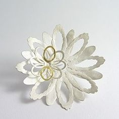 The Goldsmiths' Company -  DONNA BARRY-UK www.donnabarry.com/ 'Ruffled Daisy' Brooch Silver & 18ct yellow gold 2010