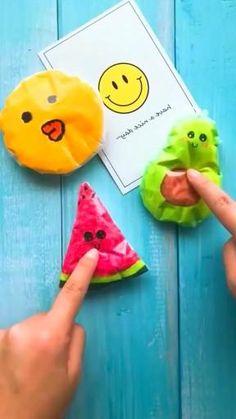 Cool Paper Crafts, Paper Crafts Origami, Cute Crafts, Diy Crafts Hacks, Diy Crafts For Gifts, Diy Home Crafts, 5 Minute Crafts Videos, Diy Crafts Videos, Diy For Kids