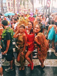Looks do carnaval carioca no Cordão do Boi Tolo