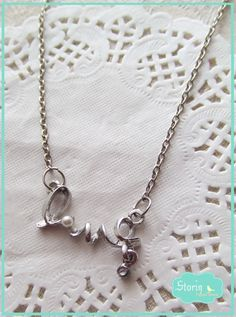 .:storin:. second love short necklace  (find it at https://www.facebook.com/PequenosTesouros)
