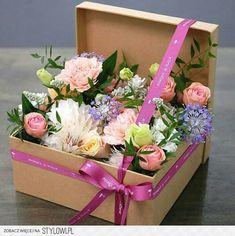 Image of vintage floral arrangements … – World of Flowers Flower Box Gift, Flower Boxes, Flowers In A Box, Fleur Design, Deco Floral, Art Floral, Vintage Floral, Ikebana, Flower Decorations