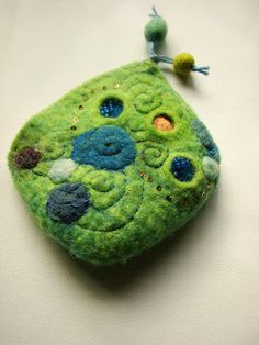 Blue and green Felted Purses with beaded zipper 8069095ef3
