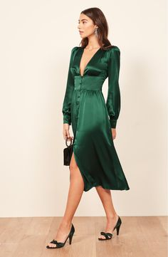 dress Party winter - I Tried the 21 Best Winter Dresses From Ref, H&M and Zara—These 12 Made the Cut Silk Midi Dress, Knit Dress, Dress Up, Green Dress Outfit, Long Sleeve Silk Dress, Green Midi Dress, Green Dress Casual, Winter Dresses, Casual Dresses