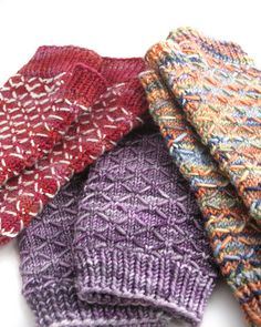 Free Knitting Pattern - Fingerless Gloves & Mitts: Quilted Lattice Mitts