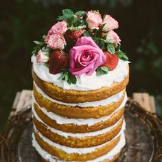 Beautiful Rustic Cake  #alexxjaeandmilk #pinterest #rustic #cakes #inspiration