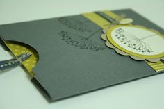 Danielas Stempelwelt unabhängiger Stampin' Up! Demonstrator Stampin Up Karten, Pocket Invitation, How To Make An Envelope, Envelope Punch Board, Pocket Cards, Gift Vouchers, Card Tutorials, Stamping Up, Flower Cards