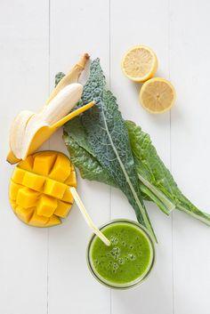 Lemony Kale Mango Smoothie–Annie's Eats (NOTE: I used 1 large handful of baby kale, 1c frozen mango, 1 frozen banana, juice of 1/2 large lemon, and 1c coconut water)