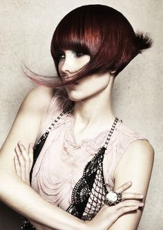 Stunning Short Hairstyle for Women from Professional Stylist Tracey Hughes