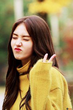 All About I.I's Members — Somi @ 'White Night' MV behind the scene Jeon Somi, South Korean Girls, Korean Girl Groups, Kim Chungha, Gfriend Yuju, Pre Debut, Woman Crush, Kpop Girls, Ulzzang