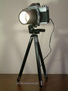 Desk LED lamp in vintage camera body