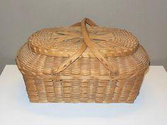 Vtg-Native-American-Indian-Woven-Picnic-Basket-w-Lid-amp-Handles-Winnebago