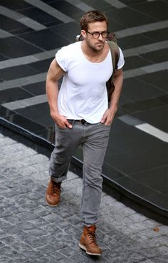 ryan-gosling-t-shirt-jeans-in-red-wing-work-boots