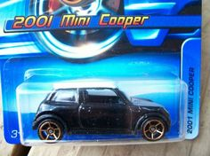 HOT WHEELS 2005 COLLECTOR # 140  2001 MINI COOPER  FREE SHIPPING!!