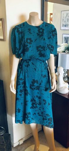 Between a Large and XL. Top to bottom of dress: Teal Green, Alchemy, Vintage Floral, Vintage Ladies, Plus Size, Abstract, Color, Antique, Clothes