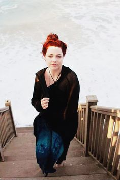 AMY LEE -- AND WITH RED HAIR TOO WHOAH
