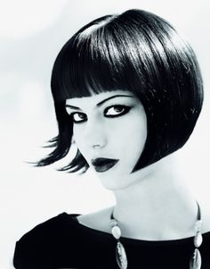 Reviving the 1920s flapper hair with fringe