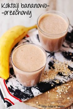 Banana and peanut butter smoothie. Banana and peanut butter smoothie (in Polish) Mocha Smoothie, Smoothie Drinks, Smoothie Diet, Healthy Smoothies, Healthy Drinks, Raw Food Recipes, Mexican Food Recipes, Diet Recipes, Cooking Recipes
