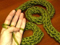 Tutorial em vídeo Finger Knitting.