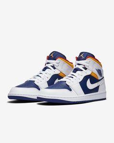 Jordan Shoes Girls, Air Jordan Shoes, Nike Air Shoes, Nike Air Jordans, Streetwear, Baskets, Sneaker Bar, Kicks Shoes, Fresh Shoes