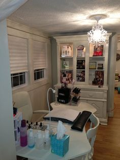 My nail room my new salon маникюр, салон, места. Home Nail Salon, Nail Salon Decor, Salon Decorating, Salon Nails, Decorating Ideas, Decor Ideas, Nail Station, Pedicure Station, Nail Room