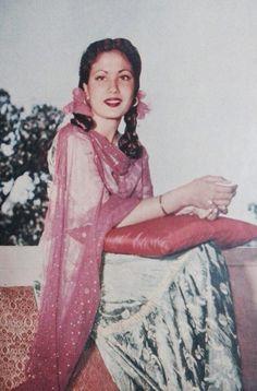 Young Meena Kumari