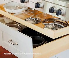 45 trendy kitchen organization ideas pots and pans lid storage Kitchen Drawer Organization, Kitchen Storage Solutions, Kitchen Drawers, Kitchen Cabinets, Inside Cabinets, Tidy Kitchen, Kitchen Tops, New Kitchen, Kitchen Ideas