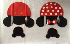 Lugar Americano Minnie ou Mickey no Elo7 | Fofurices da Grasi (4EE996) Tiana, Kids Rugs, Home Decor, Placemat, Sewing Tips, 3 Years, Keys, Halloween Party Decor, Mickey Mouse Background