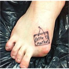 My step-sister cut her big toe off in the lawn mower last year, I sooo want her to get this tatt!