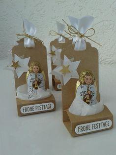 Auch ein paar süße Engel warteten hier noch darauf verpackt zu werden...  Bei Daniela  sah ich vor einiger Zeit ein ähnliches Werk mit Craft...