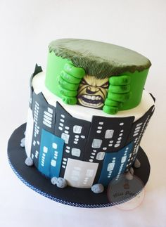 A different take on the Hulk. This was actually designed by the client and I just had to recreate it in sugar. {Top Tier: Banana cake with chocolate filling Bottom Tier: Double Barrel Chocolate cake with Caramel filling} Chocolate Caramel Cake, Chocolate Filling, Beautiful Cakes, Amazing Cakes, Minnie Mouse Rosa, Piggy Cake, Hulk Cakes, Marvel Cake, Superhero Cake