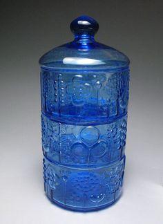 Nuutajarvi Iitala Vintage Blue Flora Covered 3 Tier Stacking Dish Oiva Toikka #nuutajarvi #mcm Treasure Hunting, Antique Art, Finland, Mid-century Modern, Scandinavian, Glass Art, Bottles, Flora, Mid Century