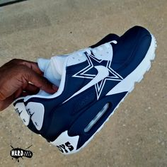 A brand new pair of Air Max 90 will be customized into a Cowboys theme. Currently taking orders for November. Thanks for choosing Nard Got Sole. Cowboy Shoes, Cowboy Outfits, Zapatillas Nike Shox, Dallas Cowboys Shoes, Cowboys Cap, Cowboys Football, Cowboy Baby Clothes, Fresh Shoes, Custom Shoes