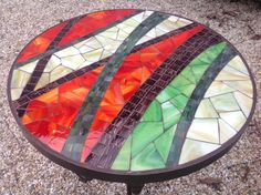 Mosaic Tile Table, Mosaic Tile Art, Mosaic Pots, Mosaic Artwork, Pebble Mosaic, Mosaic Diy, Mosaic Garden, Mosaic Glass, Tile Crafts