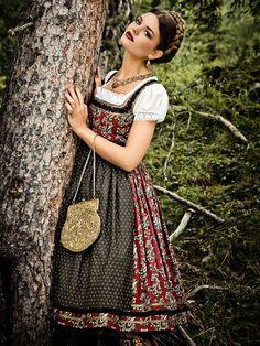 Lena Hoschek Dirndl Paisley Model Dorothea