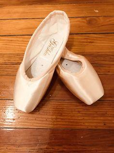 8c2b2f91710 GRISHKO 2007 4 1 2 X H Pointe Shoes  fashion  clothing  shoes  accessories   dancewear  danceshoes (ebay link)
