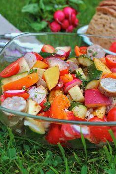 Saladepiquenique2 http://bikinietgourmandise.fr/recette-minceur/petite-salade-sucree-salee/#