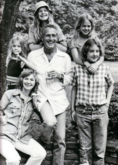Paul Newman and Joanne Woodward snd the brood