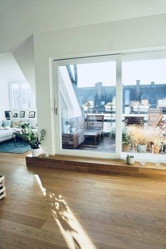 10 neue Wohnungseinblicke auf SoLebIch - Hints for Women Attic Apartment, Apartment Living, Wall Design, House Design, Small Apartments, Architecture, Home And Living, Living Spaces, Family Room