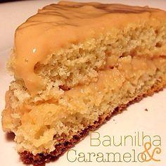 """""""Bolo de Baunilha & Caramelo, para aqueles dias de TPM e problemas com doces. Ingredientes: 2 ovos. 2 xic. chá de farinha de arroz. 1 xic. chá de leite…"""""""