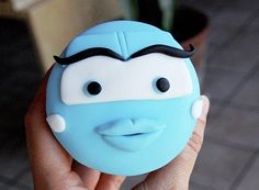 Disney's Cars Cupcakes by Animated Cupcakes, via Flickr Disney Cars Cupcakes, Disney Cars Party, Disney Cars Birthday, Disney Cakes, Car Cupcakes, Fondant Flower Cake, Fondant Bow, Fondant Cakes, Cupcake Cakes