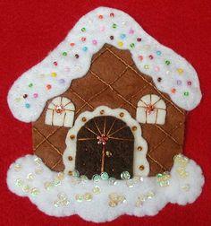 Gingerbread House Patterns, Christmas Gingerbread House, Felt Christmas Ornaments, Ornament Crafts, Felt Crafts, Diy And Crafts, Christmas Crafts, Winter Christmas, Christmas Themes