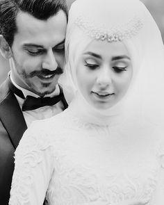 """1,156 Likes, 25 Comments - ZSena Sönmez Fotoğrafları (@zsenasonmezfotograf) on Instagram: """"a f r a • • • #wedding #weddingday #weddingphotographer #bride #bridal #bridalboquet #istanbul…"""""""