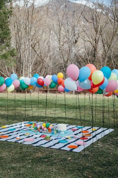 16 30th Birthday Ideas for the Perfect Picnic Party | Brit + Co