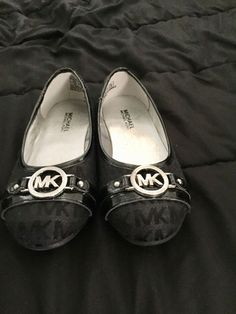 3be3a7f612d5 Kids Michael Kors Black Flats  fashion  clothing  shoes  accessories   kidsclothingshoesaccs  . Girls ShoesFashion OutfitsFashion ...